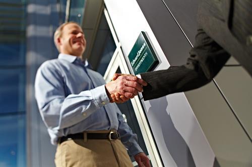 Gallery Image MKT-3929-G-HandshakeFA-HiRes.jpg