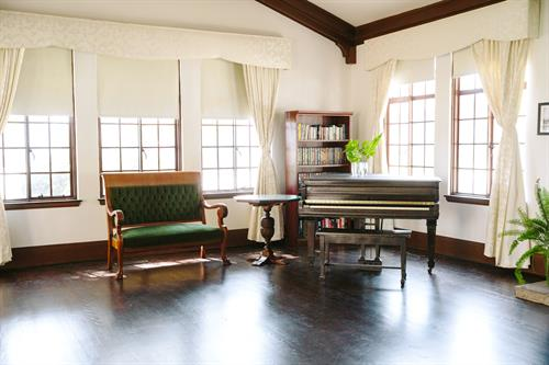 Gallery Image Ebell_Santa_Ana_Fireside_Room_Grand_Piano.jpg