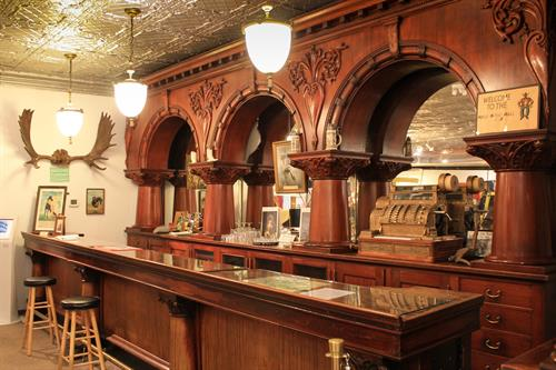 Gallery Image hole-in-the-wall-bar2-scaled.jpg