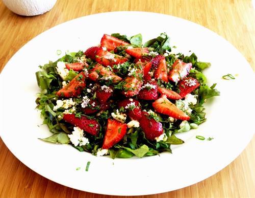 Gallery Image strawberry_spring_salad.JPG
