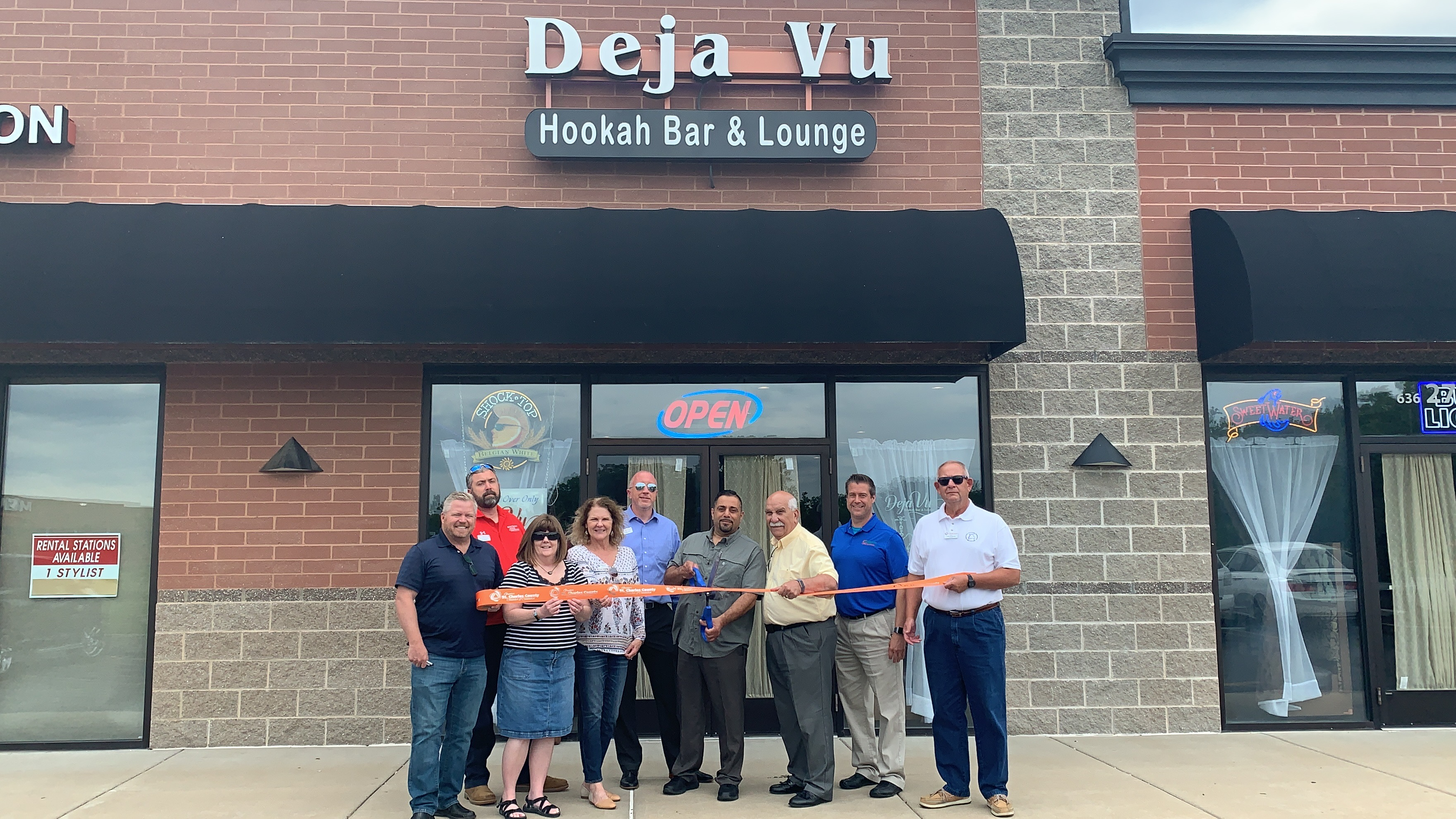 Image for Déjà Vu Hookah Bar and Lounge Celebrates Grand Opening with Ribbon Cutting