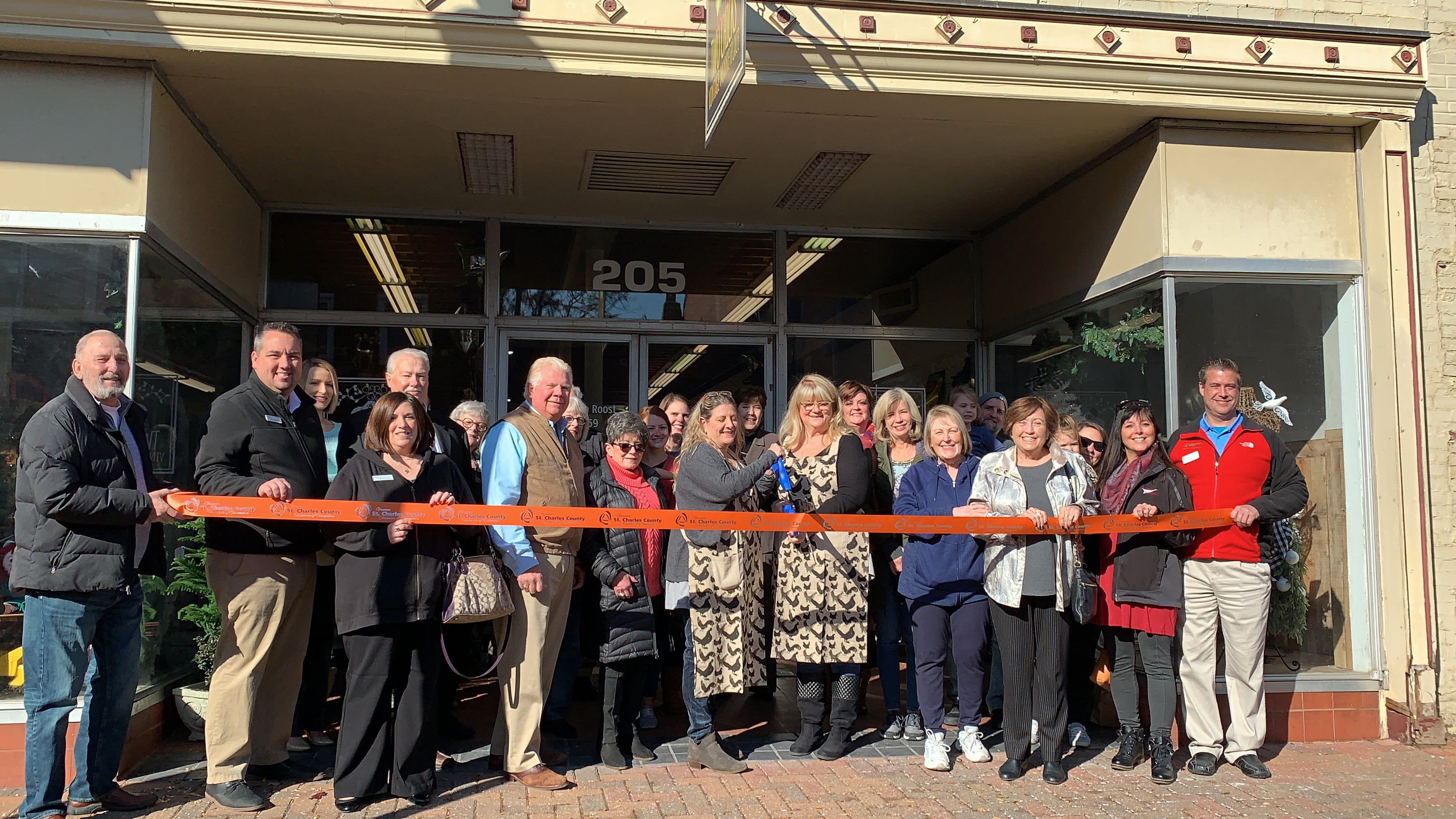 Image for Two Chicks Vintage Marketplace Celebrates  Grand Opening with Ribbon Cutting