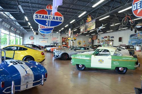 Gallery Image Fast_Lane_Classic_Cars_08.JPG