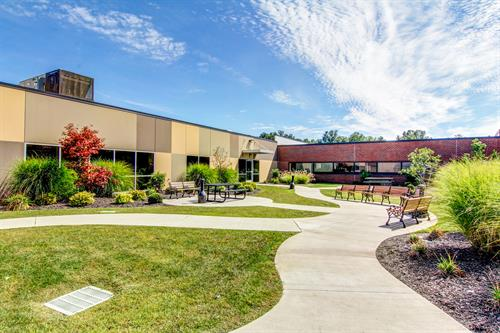CenterPointe Hospital Courtyard