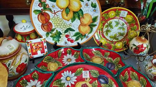 Ceramics hand made and painted in Italy