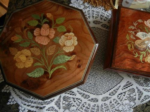 Inlaid Wood Music Box from Sorrento