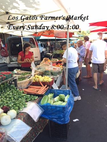 Outstanding Farmer's market on Sundays 8:00-1:00