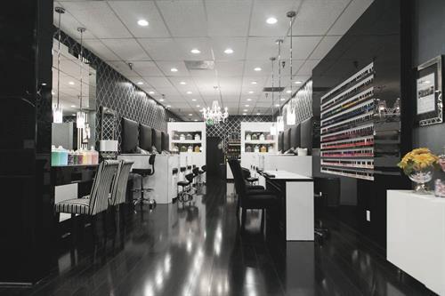Gallery Image Costa_Mesa_Salon2.jpg