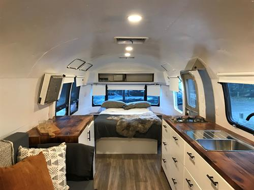 Airstream 1002 Bed