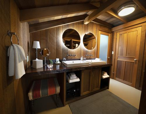 Gallery Image Clayoquot_Wilderness_Resort_Ensuite_Tent_Bathroom_Photo_Credit_Bryan_Stockton.jpg