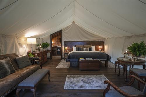 Gallery Image Clayoquot_Wilderness_Resort_Ensuite_Tent_Interior_Photo_Credit_Bryan_Stockton.jpg