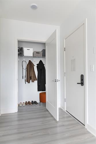 1D Entry Closet