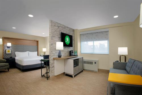 Junior Suite (Newly Renovated May 2020)