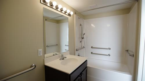 Gallery Image bathroom_finished.jpg