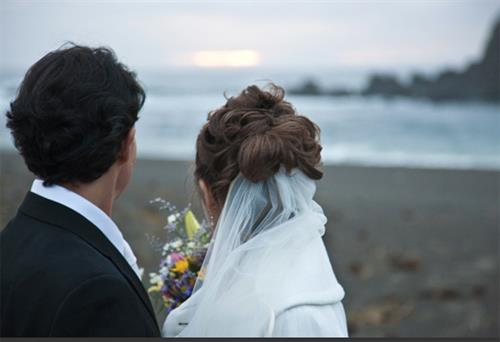 Elopement wedding photos on our beautiful coast