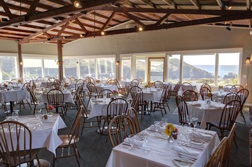 Gallery Image Albion-River-Inn-Restaurant-daylight.jpg