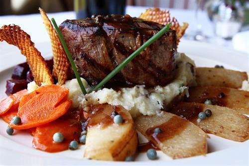 Gallery Image albion-river-inn-filet-mignon-steak-close_copy.jpg