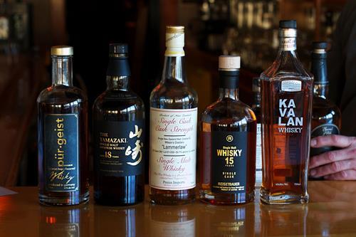 Gallery Image whisky-row.jpg