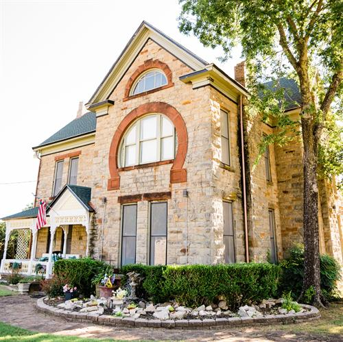 Gallery Image Solon_Estate_House_Front_Angle_-_square.jpg