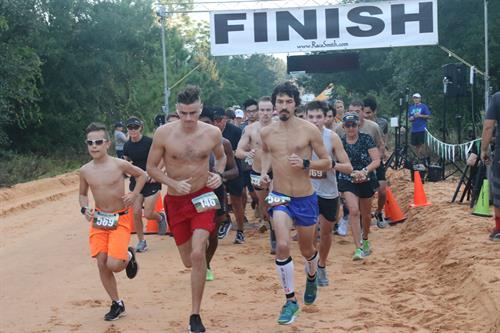 Race photos: 5K, 10K,1/2 Marathon, etc.  Also experience in challenge races, mud runs, and triathlon