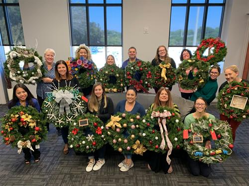 Arc of Tampa Bay Wreath Decorating Day