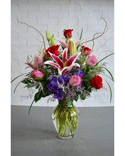 Gallery Image Lavish_Flowers.jpg