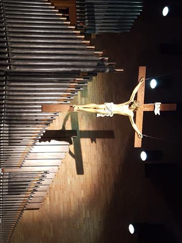 Gallery Image crucifix.jpg