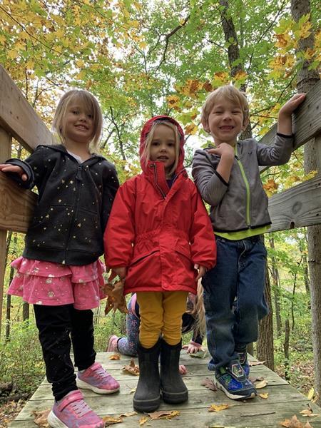 Gallery Image preschool-kids-on-bridge.jpg