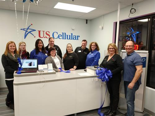 Gallery Image 2019-01_ribbon_cutting_staff_pic.jpg