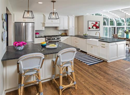 Gallery Image Thiensville_Kitchen_after_2.jpg