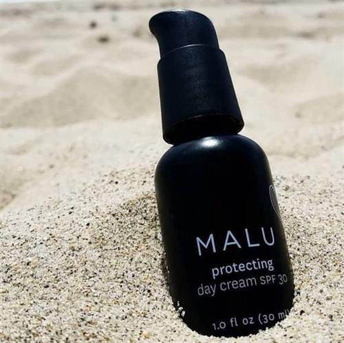 Sunscreen is NOT seasonal!