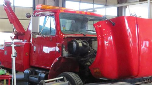 Gallery Image red_tow_truck.JPG