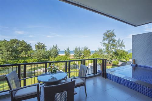 Angsana Lang Cô_Seaview Junior Pool Suite King_Balcony
