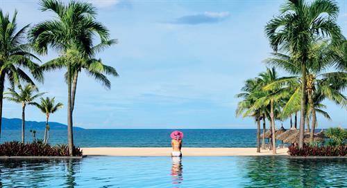 Vietnam_Danang_Furama_Resort_Infinity Pool