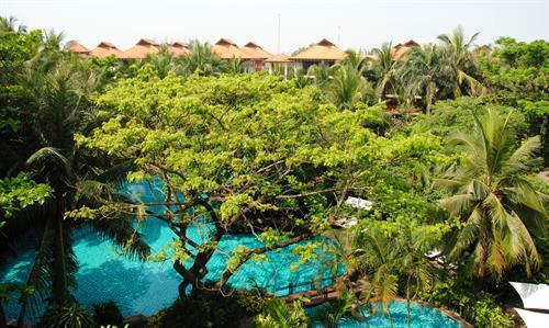 Vietnam_Danang_Furama_Resort_Exterior-Lagoon Pool
