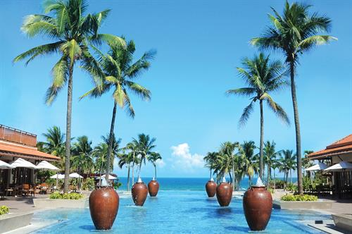 Vietnam_Danang_Furama_Resort_Exterior_Courtyard