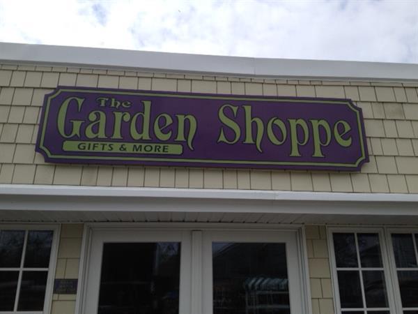 Gallery Image garden_shop_2.JPG