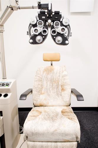 SharpeVision MODERN LASIK - Have a seat!