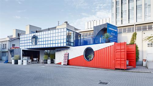 Gallery Image Containerwerk-shipping-containers-installation-Milan-2018_dezeen_03-2.jpg
