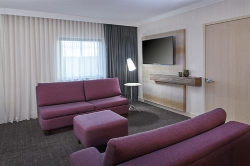 Gallery Image DHR_DTWDF_Two_King_Suite_Seating.jpg