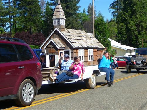 Gold Nugget Days Float