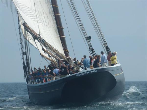 Gallery Image Beth_Leahy_2015_Sailing_Race.jpg
