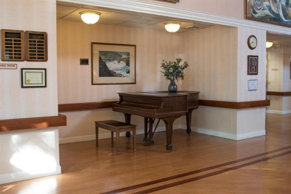 Gallery Image piano_centered.jpg