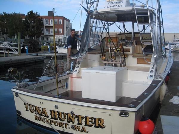 Tuna Hunter is a 36ft custom Runaway Sportfishermna