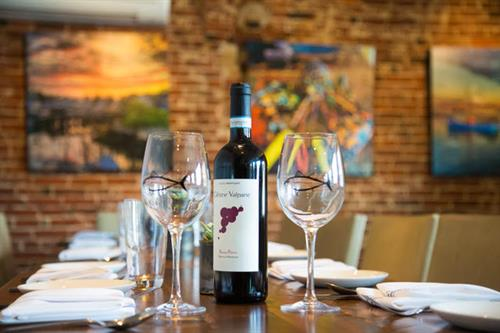 We feature an expansive wine list, featuring both domestic and Italian bottles