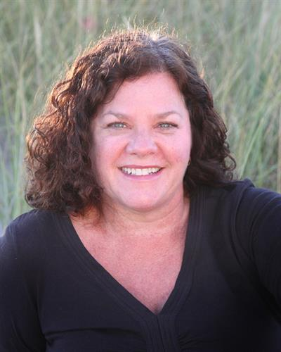 Elizabeth McLindon, Owner and Licensed and Certified Massage Therapist