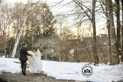 Winter Wedding at Willowdale Estate