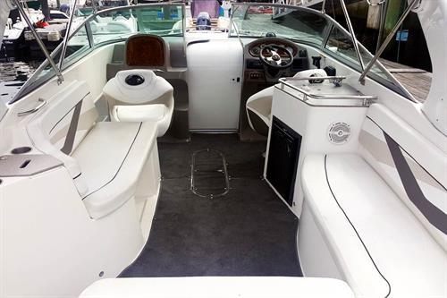 Gallery Image EAS_interior-001_boat_horizontal.jpg