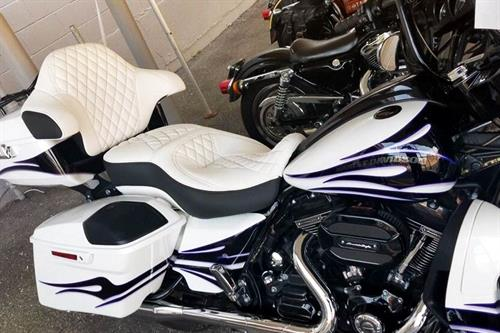 Gallery Image EAS_interior-001_motorcycle_horizontal.jpg