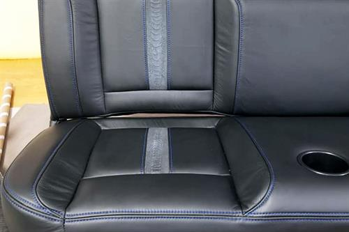 Gallery Image EAS_leather-02_car_horizontal.jpg